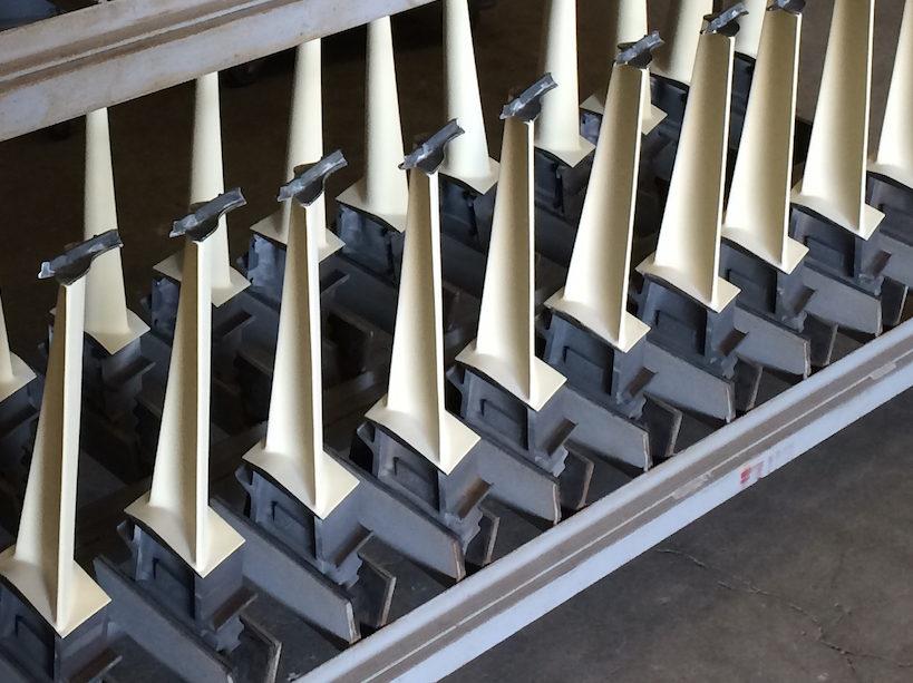 YSZ ceramic coated turbine engine blades