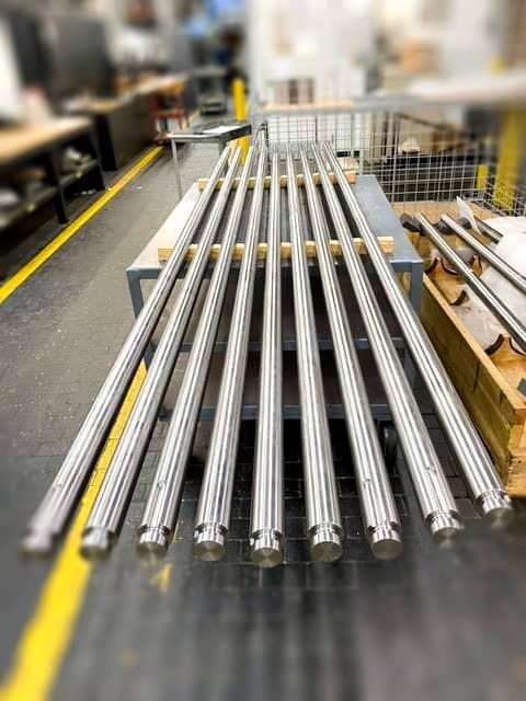 CNC precision shaft grinder finished metal components